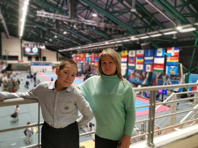 Мама сопровождает Рамира на тренировках и соревнованиях