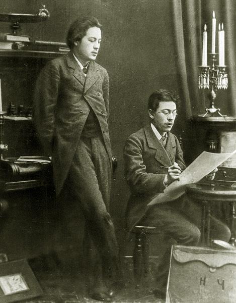 Антон Чехов с братом Николаем Чеховым. 1883 год