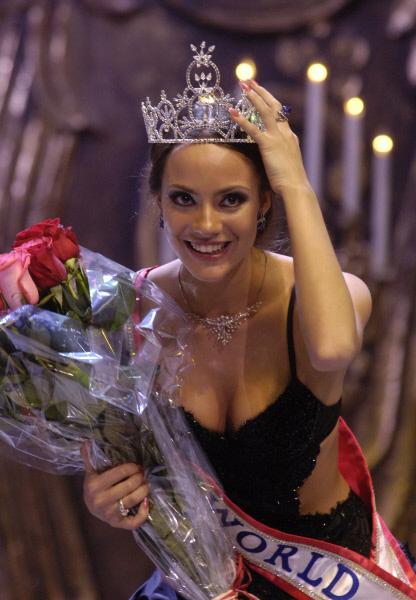 Москвичка Софья Аржаковская стала победительницей международного конкурса Миссис мира-2006