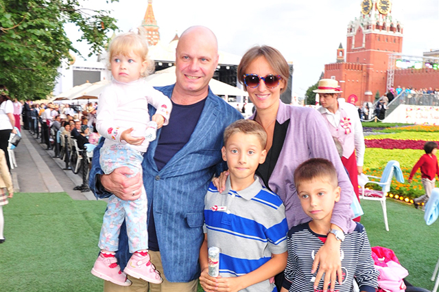 Алексей Кортнев с семьёй.