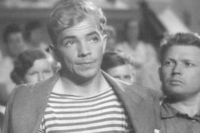 Петр Алейников в фильме «Большая жизнь» (1939)