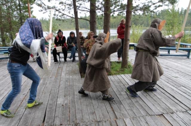 Сценки из Медвежьего праздника. Перед мегионцами выступают юные представители