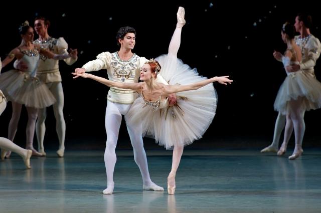 По академическим канонам Ульяна - слишком высокая для балета.