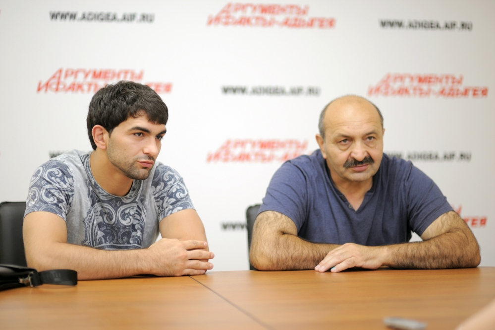 Заур Беданоков с отцом.