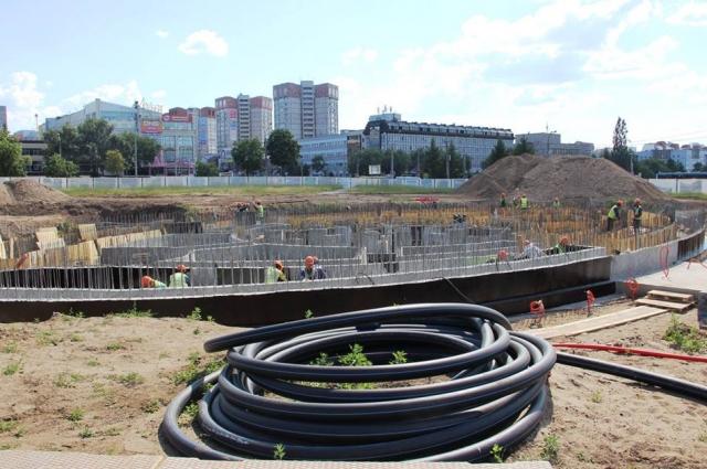 Предполагается, что форсунки будущего фонтана будут выдавать вертикальные, веерные, спиральные, пенные и капельные струи.