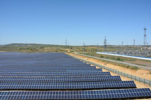 Всего с момента пуска первой очереди в декабре 2015 года произведено 111,4 миллиона киловатт-часов «солнечной» энергии.