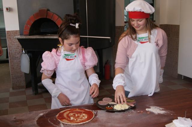Самое сложное в пицце - сочинить начинку.