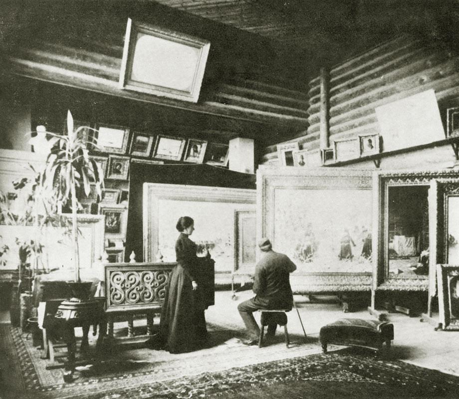 Мастерская Василия Верещагина в его доме в Нижних Котлах. 1890 годы
