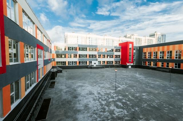 Новая общеобразовательная школа рассчитана на 1375 учеников.
