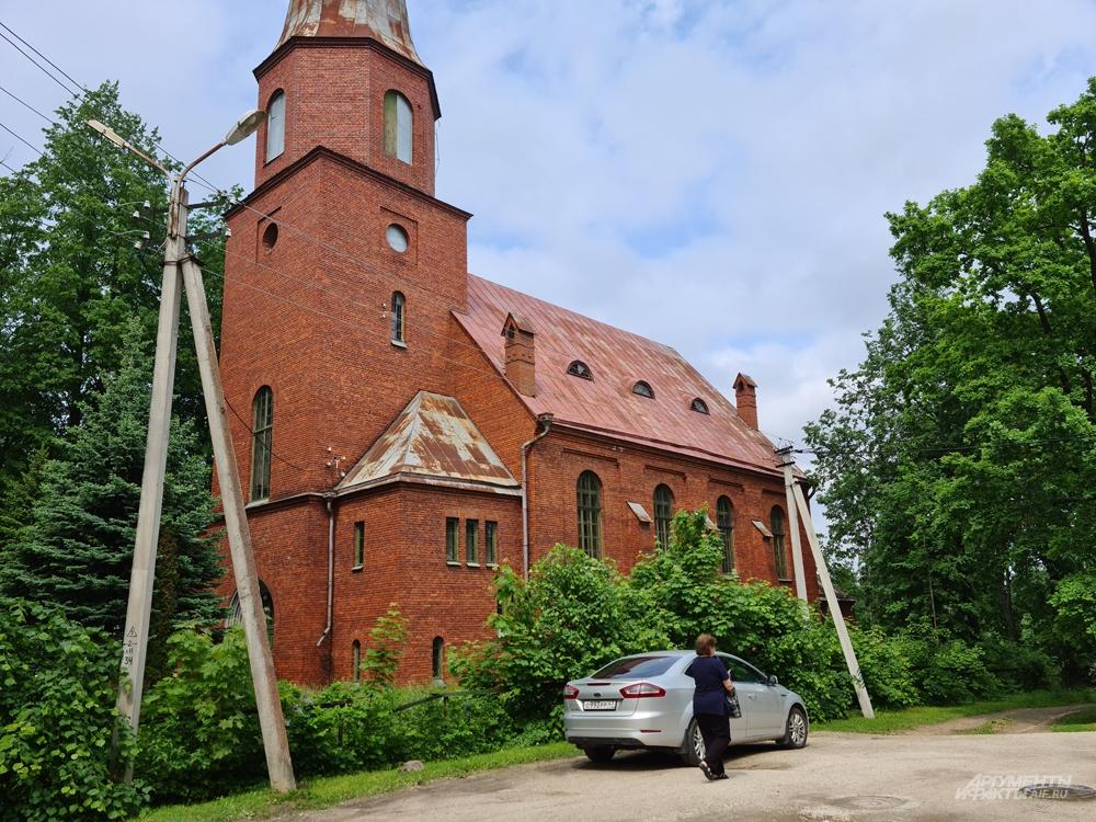Эстонская кирха, построенная русскими архитекторами.