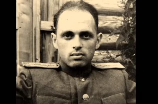 Капитан Халатников, начальник штаба зенитно-артиллерийского полка, 1945 г.