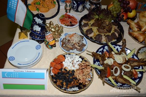 Плов узбеки считают своим блюдом.