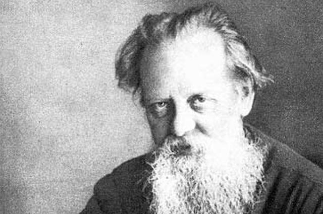 К Павлу Петровичу Бажову Любовь Адамова обращалась за советом.