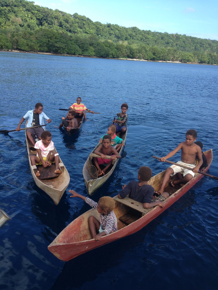 Аборигены начали культурный обмен с торговли
