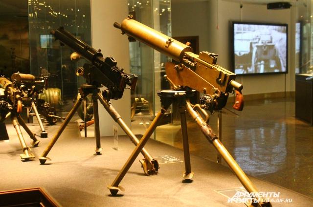 Авиационные пулеметы - настоящий прорыв в оборонной промышленности начала 20 века. Кайзеровские самолеты и дирижабли боялись их как огня.