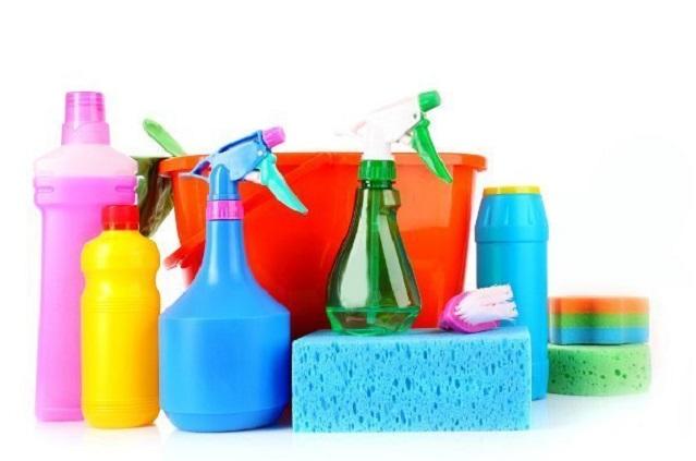 Чистящие средства могут заменить сода, соль и нашатырный спирт.