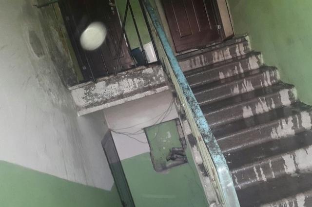 За полчаса вода сверху добралась до нижних этажей.