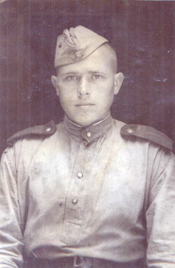 Гвардии старшина Алексей Смирнов.