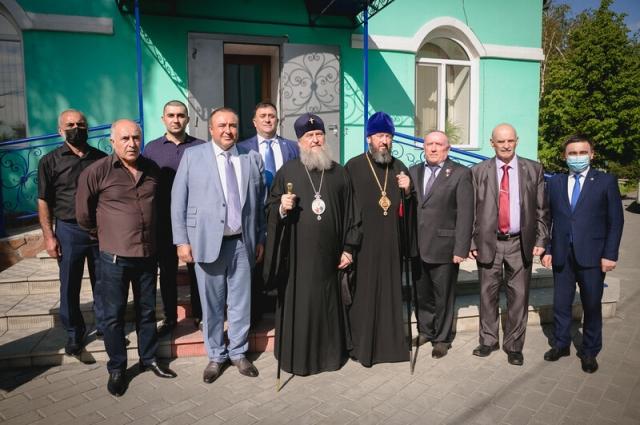 Петербургская делегация передала мемориальную доску в честь 200-летия Федора Достоевского в город Семей.