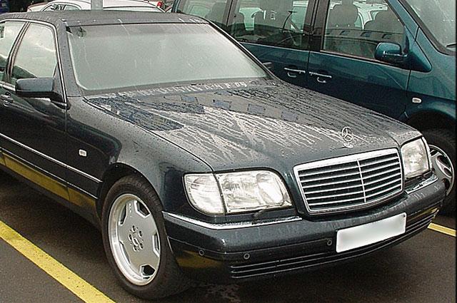 Характерным атрибутом нового русского стал Mercedes-Benz S600 образца 1991 года