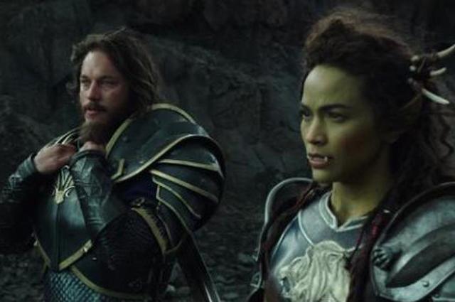 Трэвис Фиммел и Пола Пэттон в фильме Warcraft.