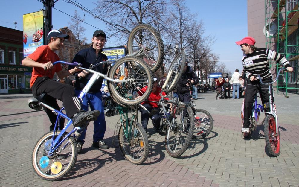 Велосипеды в нашей действительности уже давно привычное средство передвижения по городу.
