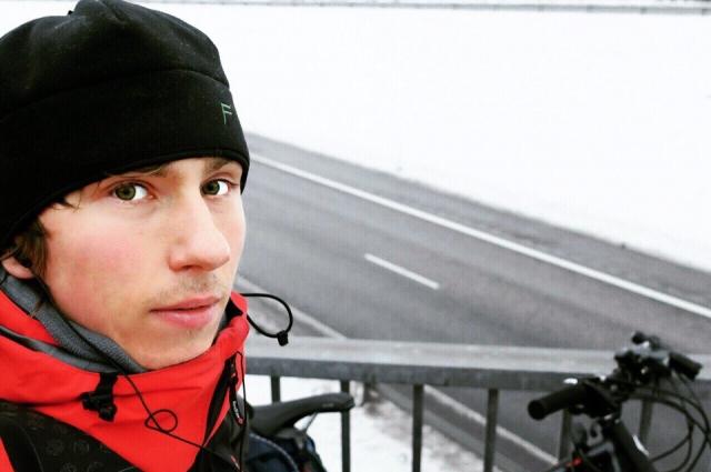 Блогер преодолевал по 60 километров каждый день.