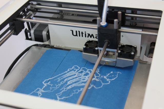 Печатать деталь без перерыва принтер может часами.