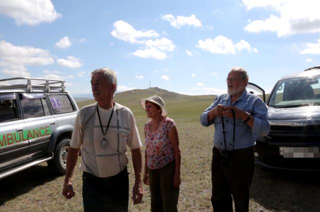 Для съёмок документальной части фильма дети учёных отправились в экспедицию по следам родителей.