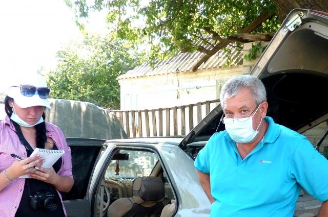 Михаил не смог помочь пожилой лежачей от болезни матери выбраться из дома.