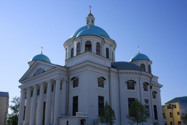 Храм Казанской иконы Божией Материбыд заложен на месте обретения православной святыни.