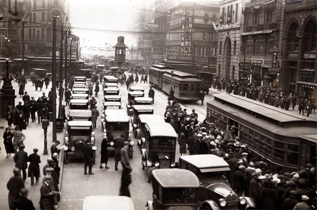Пересечение улиц Мичиган и Грисвольд, 1920 год