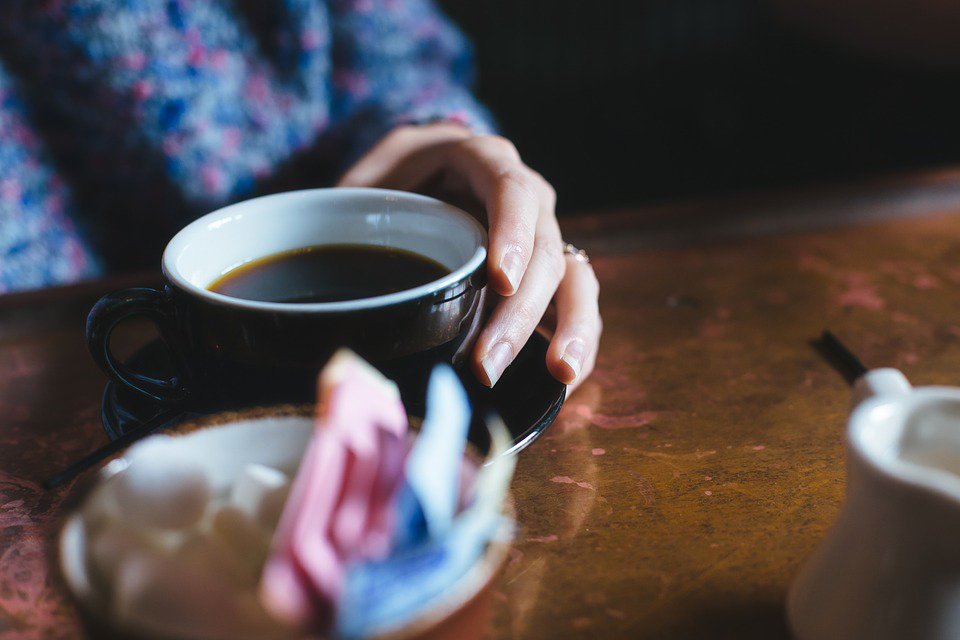 Эксперты считают, что кофе и молоко нужно пить по отдельности.