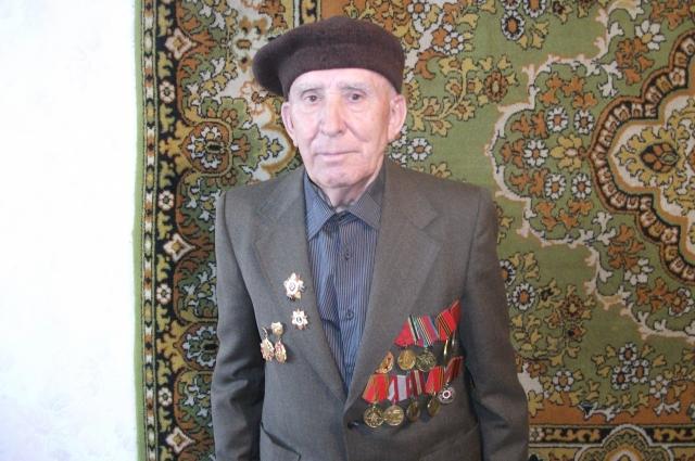 Валентин Белякевич в книгах рассказал о подвигах двоюродных брата и сестры.