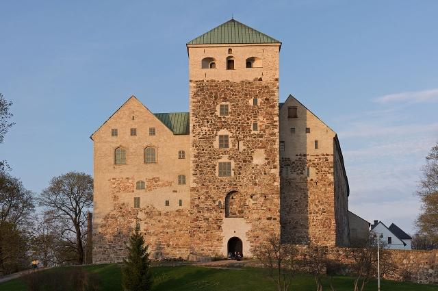 Замок в разное время был тюрьмой, казармой и складом, а теперь стал музеем.