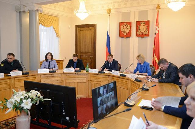 Совещание в администрацииСмоленской области, вице-губернатор Андрей Борисов