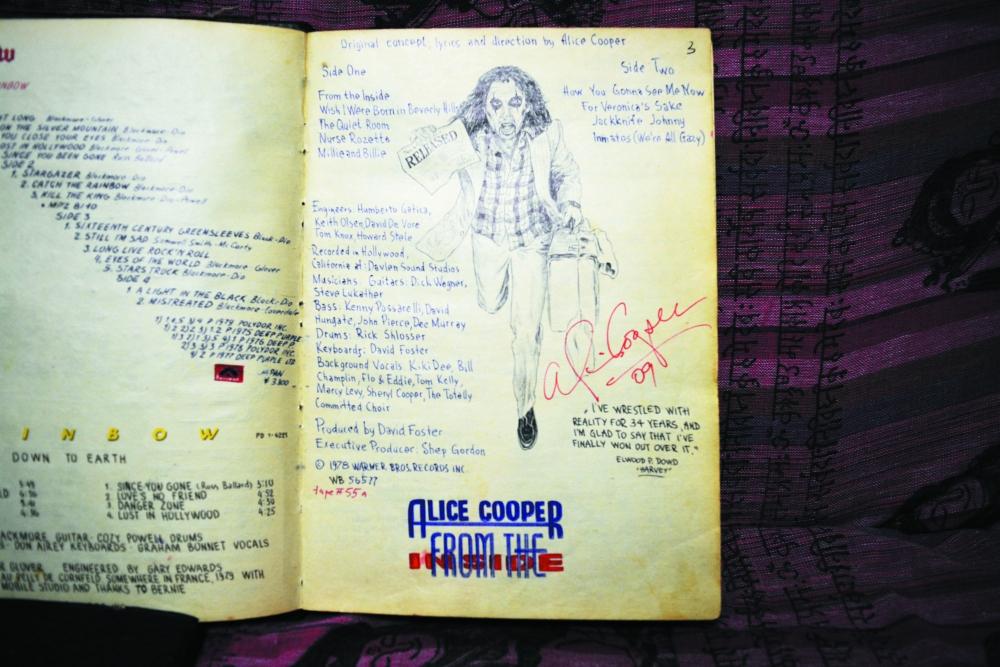 Страница из «джинсовой» книги.