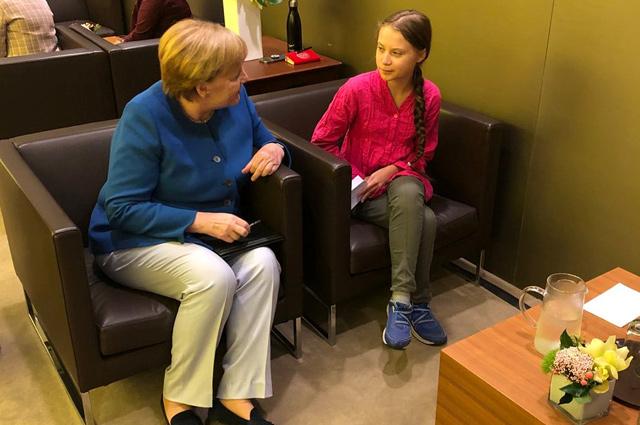Канцлер Германии Меркель и Грета Тунберг в штаб-квартире США в Нью-Йорке.