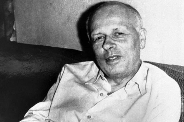 Академик Андрей Дмитриевич Сахаров на даче в Жуковке. 1972 год