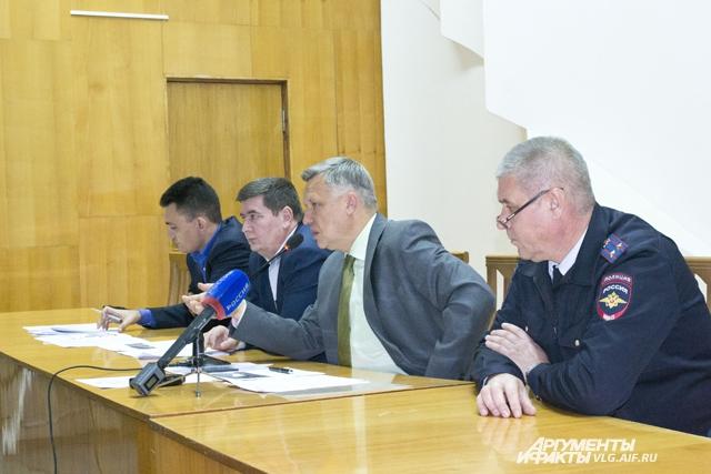 Руководство комитета транспорта и дорожного хозяйства администрации Волгоградской области.