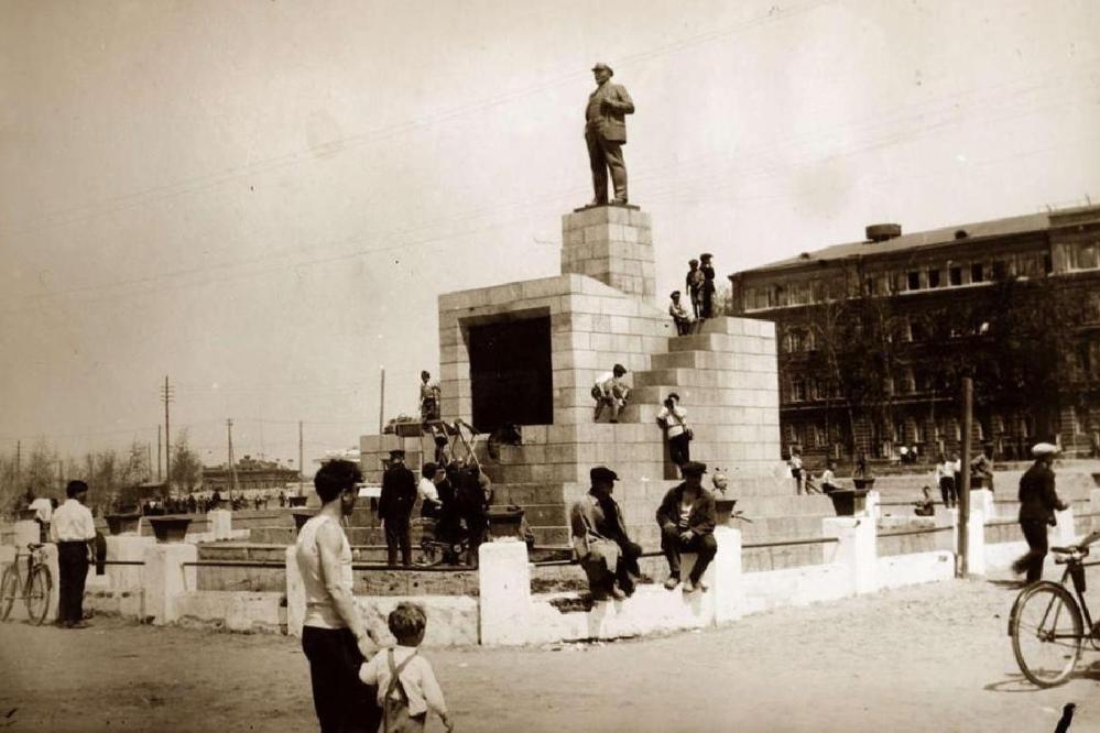 Площадь им. Ленина в 1940-е годы