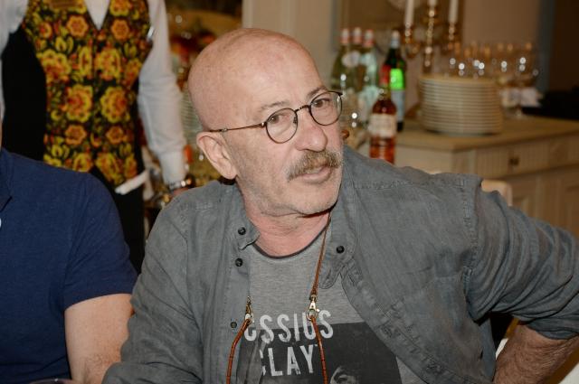 Александр Розенбаум предпочитает родной Васильевский остров.