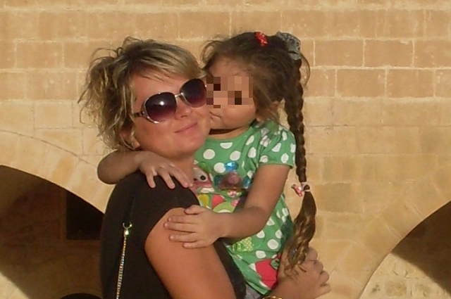 Марина с дочерью от брака с гражданином Турции.