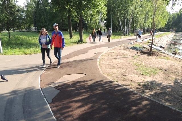 В парке Урицкого работы продолжаются.