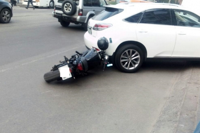Помощь потребовалась только мотоциклисту.