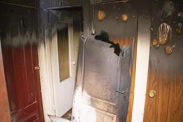 Предварительно, пожар устроил один из жильцов квартиры