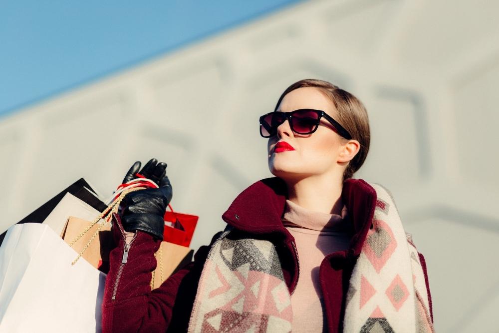 Если сдать ненужные вещи в магазины сети H&M, то можно получить ваучер на покупку в этом бутике.
