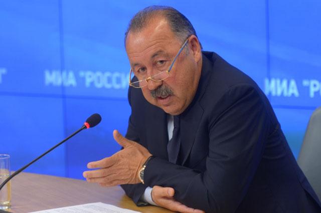 Директор Оргкомитета объединенного чемпионата по футболу Валерий Газзаев