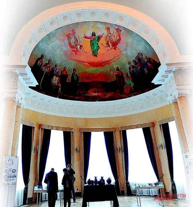 Здесь находилась домовая церковь князей Гагариных