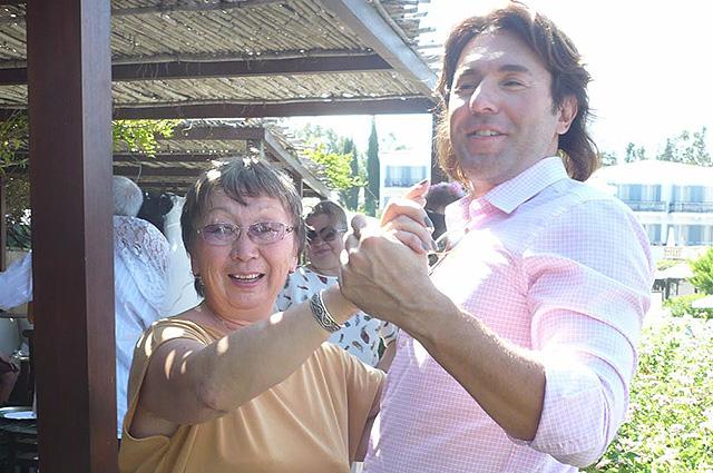 Валентина Ленховоева и Андрей Малахов на Кипре